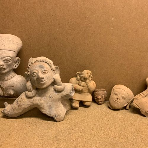 Six anthropomorphic terracotta or sandstone.  Latin America.  (Shortages and acc…