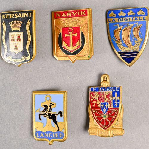 France Lot d'insignes marine  En métal et émail, différents fabricants, deuxième…