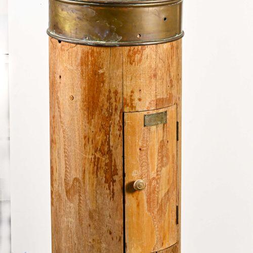 Maison KELBIL WHITE LTD Grand compas de pont en laiton et bois vernis  H. 124 cm…