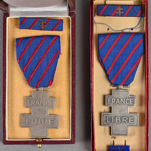 France Lot de deux médailles commémoratives des services volontaires dans la Fra…