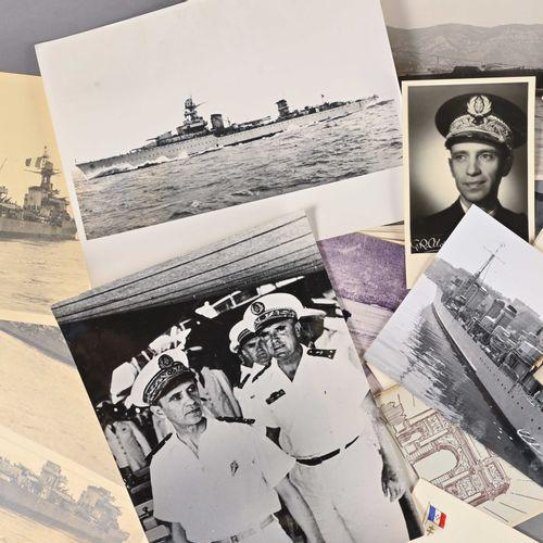 France Lot de photographies et fascicules sur différents navires dont le Triomph…