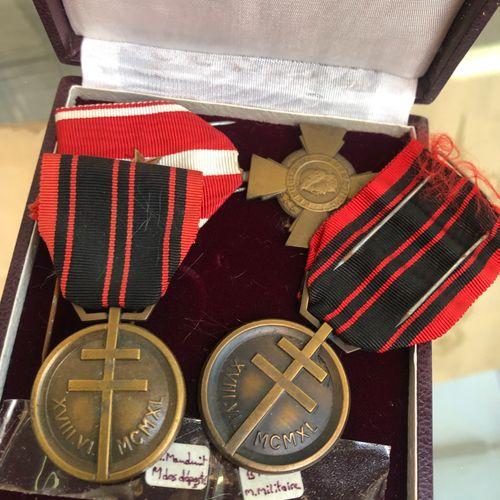 France Lot de décoration ayant appartenues à Mademoiselle Ortoli  Un diplôme de …