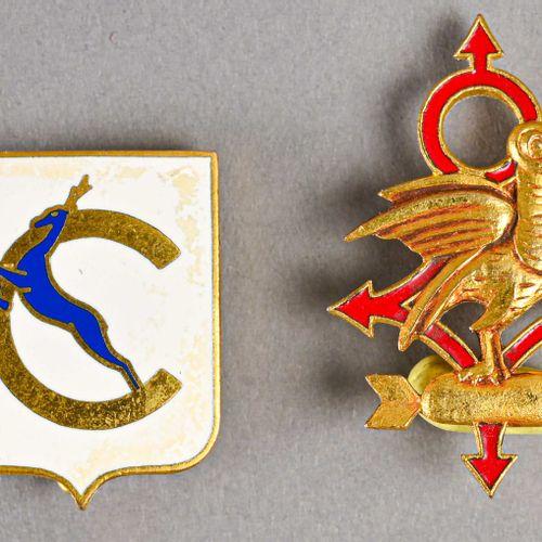 France Lot de deux insignes aéronavals dont Escadrille Toucan  En métal et émail…
