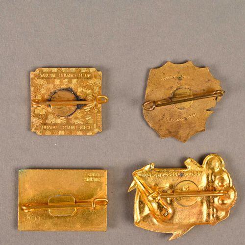 France Lot de quatre insignes marine Indochine  En métal et émail, différents fa…