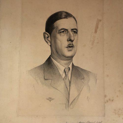 France Gravure représentant le Général de Gaulle offerte à l'amiral Ortoli  Le g…