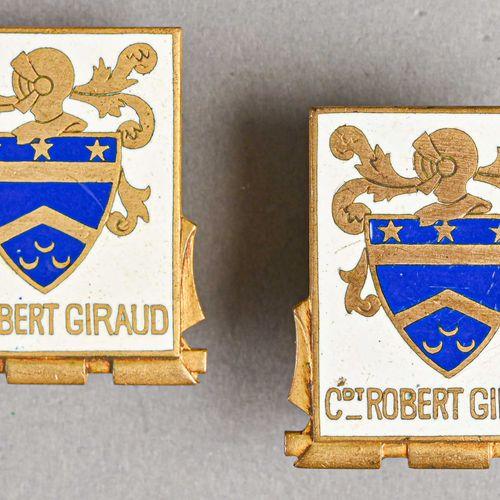 France Lot de deux insignes marine Capitaine Robert Giroux  En métal et émail, f…