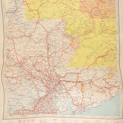 Fort lot de cartes de l'Indochine ayant à l'Amiral Ortoli  Pliures et déchirures…