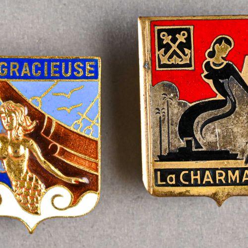 France Lot de deux insignes marine « La Charmante » et « La Gracieuse »  Le prem…