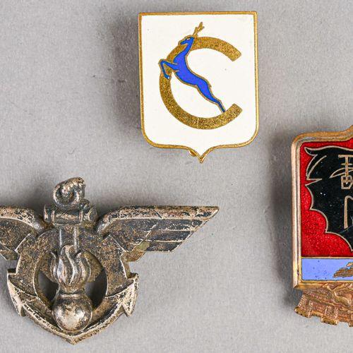 France Lot de trois insignes aéronavals  Fabrications diverses, première moitié …