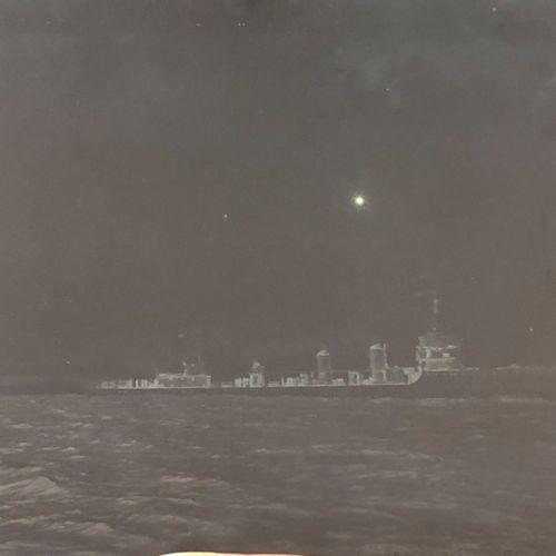 """FRANCE Plaque photographique du navire Escorteur ' LA FLORE """" Daté 1936, noir e…"""