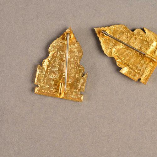 France Lot de deux insignes marine Luang Prabang  En émail et métal, Drago Paris…