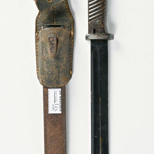 Allemagne Baionnette Mauser K98  Plaquettes bekelite, lame bronzée datée 41, oxy…