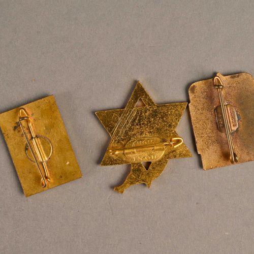 France Lot de trois insignes marine  Bâtiment kabyle, Francis Garnier et Croix d…