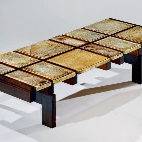 Roger CAPRON (1922 2007) Table basse à plateau en carreaux de grès à décor géomé…