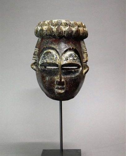 Masque Bini Nigeria Bois H. 23 cm Provenance : Martial Bronsin, Bruxelles Collec…