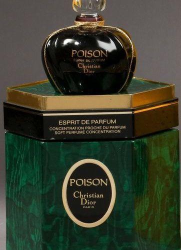 """Christian Dior """"Poison"""" (1985)  Présenté dans son coffret hexagonal en carton mo…"""
