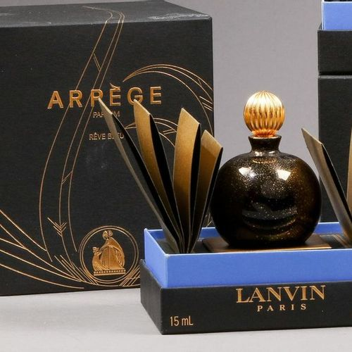 """Lanvin """"Arpège"""" (1927)  Flacon """"boule noire"""" édition """"Rêve Bleu"""" édité dans les …"""
