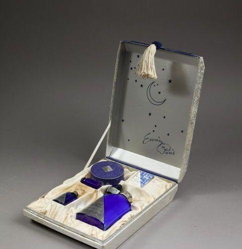 """Bourjois """"Evening in Paris"""" (1929)  Coffret export rectangulaire en carton gainé…"""