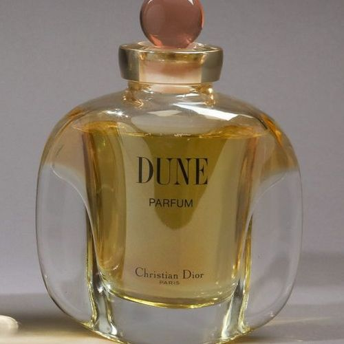 """Christian Dior """"Dune"""" (1989)  Flacon publicitaire décoratif dessiné par  Véroniq…"""