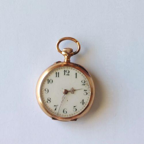 MONTRE pendentif de Dame, boitier en or jaune 750°/°° , mouvement à réparer, ave…