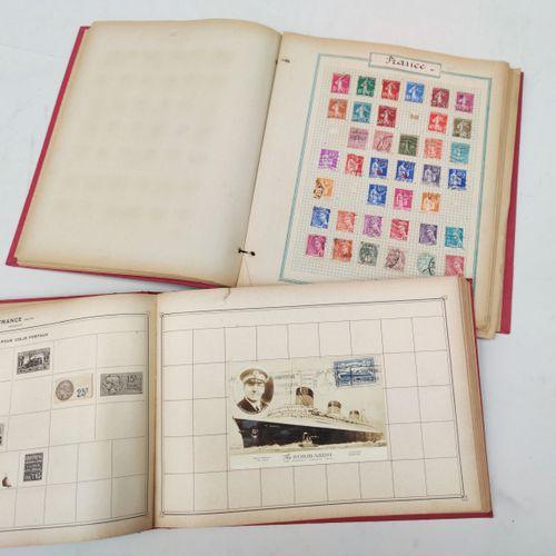 2 albums de Timbres du Monde Entier dont France (Carte voyage inaugural Normandi…