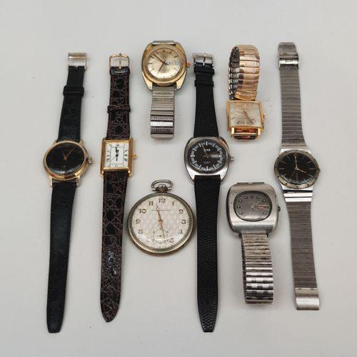 Lot de montres bracelets d'homme en métal dont Timex, Lip, Reglex, Saviem, Feusi…