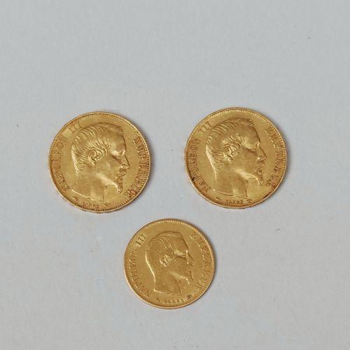 Trois PIECES en or jaune 750/°00 : 2 de 20 francs Napoléon III 1854 et 1856 A et…