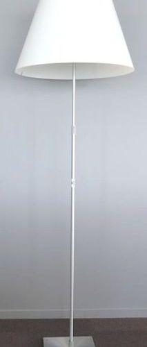 LAMPE DE PARQUET DE MARQUE LUCE PLAN MODELE GRANDE CONSTANZA D13G, REGLABLE EN H…