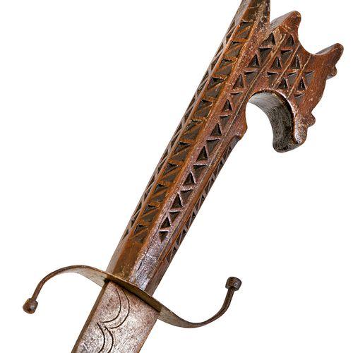 Long poignard de type kinjal indo persan,entièrement monté en fer avec traces d…