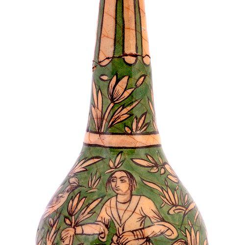 Bouteille Qâjâr Iran, vers 1880 Probable contenant à eau de rose, cette bouteill…