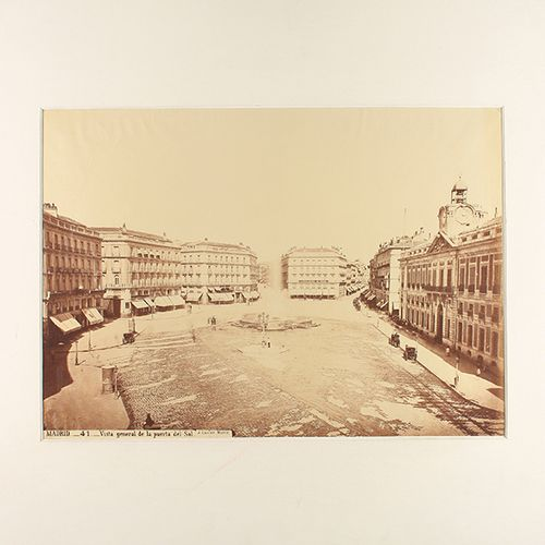 1865 env . PHOTOGRAPHIE : (MADRID) . LAURENT, J. : MADRID 41. PUERTA DEL SOL VIE…