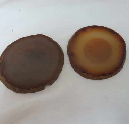 Set of two slices of agate. 9 cm