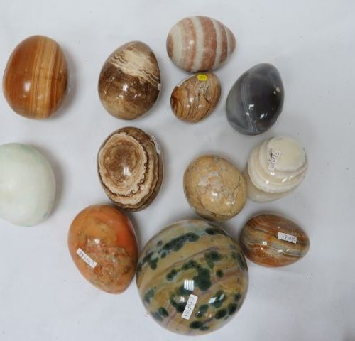 Set of 12 eggs and spheres made of hard stones, including agate. 4 7 cm