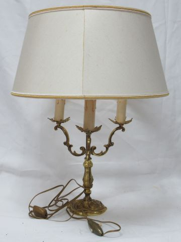 Lamp base in gilt bronze. With its lampshade. Height: 53 cm
