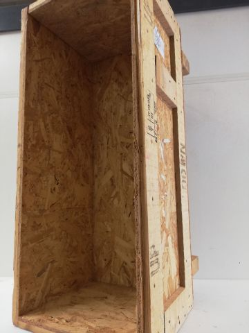 Wooden crate for transporting large volume bottles. Length: 90 Width: 40 Depth: …