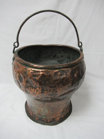 Copper cauldron. 27 x 23 cm (many dents)