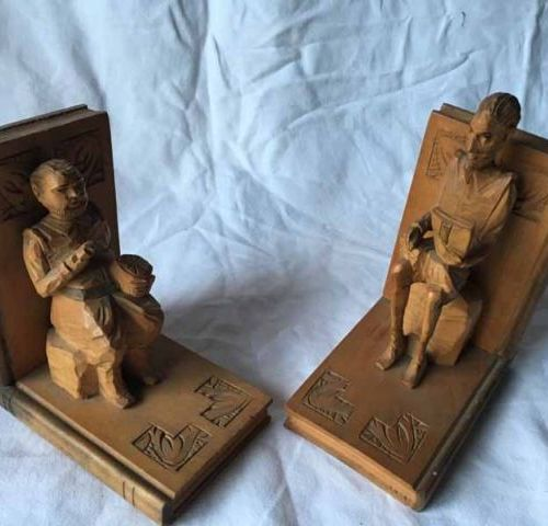 """Pair of wooden book greenhouses carved on the theme of """"Don Quixote"""""""" 14 X 16 cm"""