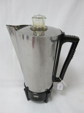 CADILLAC Coffee maker in stainless steel and resin. Circa 1970. Height: 25 cm