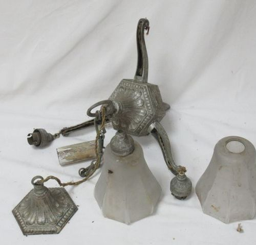 Pewter suspension, three lights. Art Deco style. Width: 29 cm (some elements to …