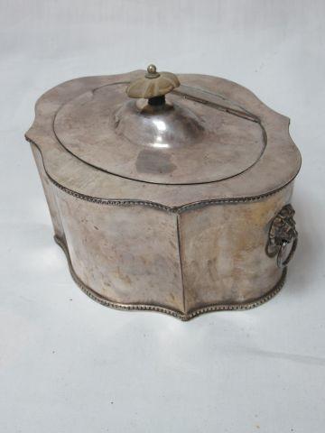 Silver plated metal box. 10 x 18 x 13 cm