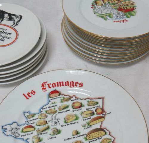 Ceramic lot, on the theme of cheese, including 6 plates in Auteuil porcelain, 12…