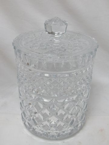 Cut crystal covered pot. Height: 18 cm (chips on the lid)