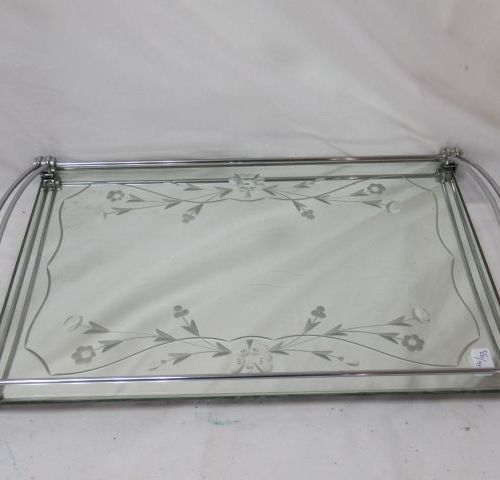 Tray in engraved mirror and metal. Length: 48 cm Width: 30 cm