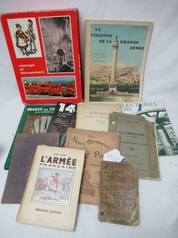 Lot of books on the French army and its soldiers.