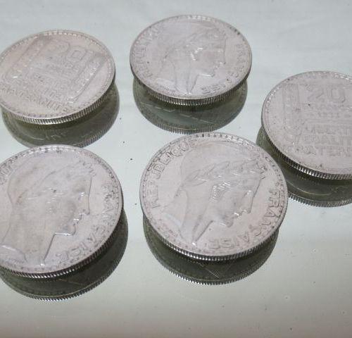 Lot de 5 pièces de 20 frc Turin 1933, 1934, 1938. 100 gr.