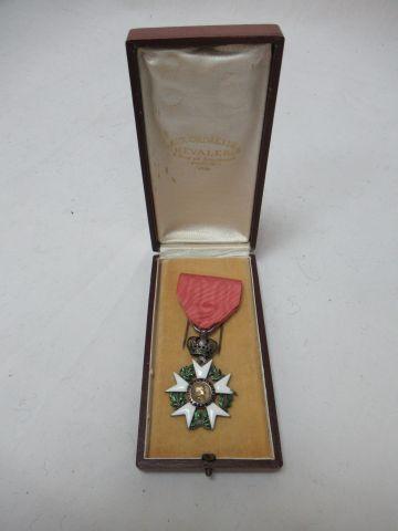 Légion d'honneur en argent émaillé. Epoque Premier Empire. Poiids brut : 18,15 g…