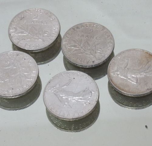 Lot de 5 pièces de 2 frc en argent semeuse. 1915, 1917, 1918, 1919, 1920. 50gr.