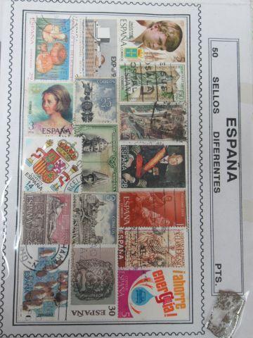 MONDE, lot de timbres sous pochette.