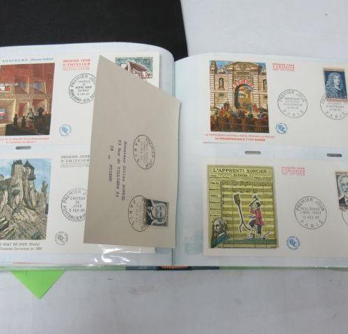 FRANCE lot de 4 classeurs d'enveloppes premier jour, de 1959 à 1966.