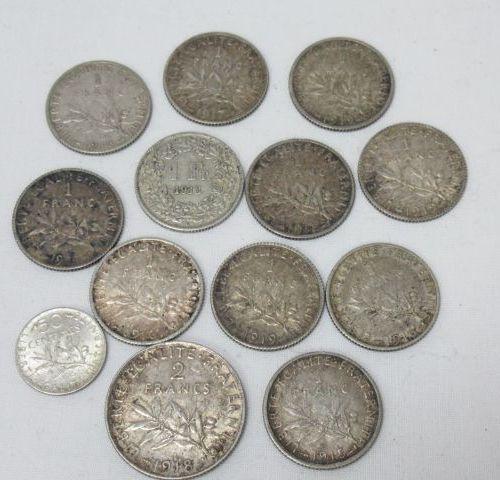 Lot de pièces en argent, comprenant 10 pièces de 1 francs Semeuse (vers 1910), 1…